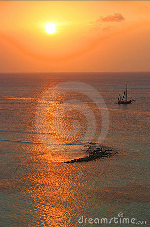 Free Seascape With Sailer Royalty Free Stock Images - 2913499