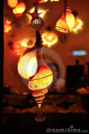 seashell-lamps-16679879.jpg