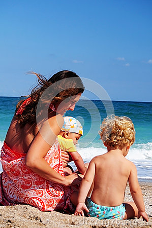 Free Seaside Holiday Royalty Free Stock Photo - 27757505