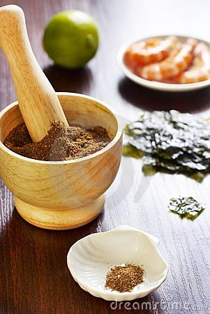 Seasoning from shrimp, seaweed and lime zes