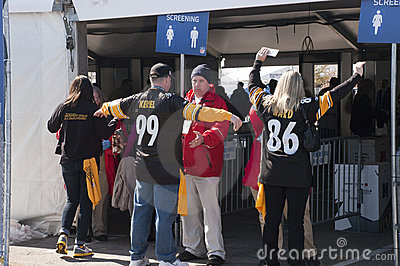 Security Screening Safety Check at Superbowl XLV Editorial Stock Image