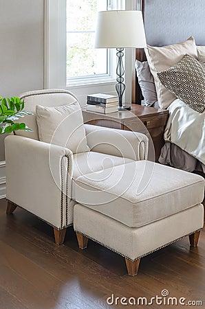 Mobile basso soggiorno for Design della camera di lusso