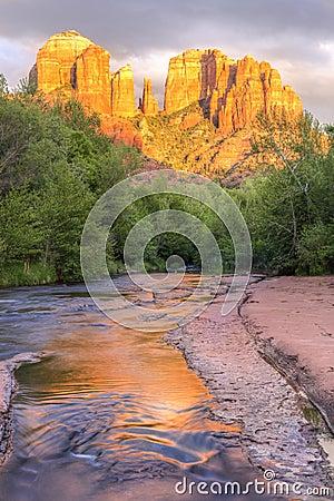 Free Sedona Cathedral Rock And Oak Creek Sunset Royalty Free Stock Photo - 73377535