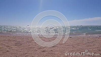 Seehorizont am Nachmittag die Sonne belichtet hell das Meer stock footage