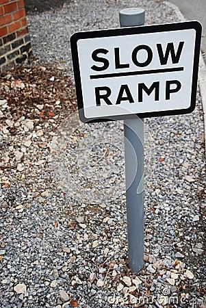 Segno lento della rampa