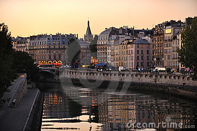 Seine Embankment Royalty Free Stock Images - Image: 18028929