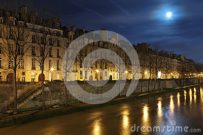 Seine in the night with moon