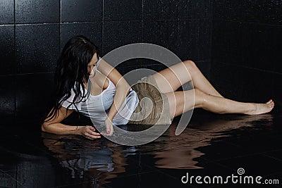 Seksowna mokra dziewczyna