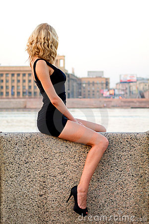 Seksowna sitiing kobieta