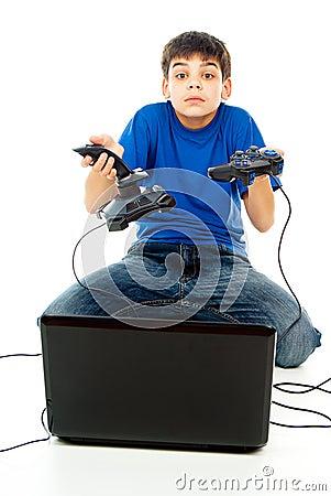 Selecting the computer or joysticks