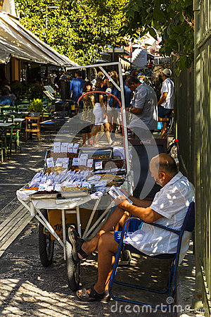 Free Seller Of Nuts And Dried Fruit In Athens, Greece. Stock Photography - 99237192