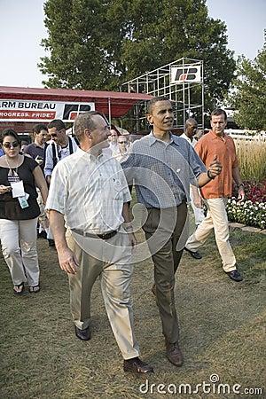 Senador Barak Obama que hace campaña para el presidente Imagen de archivo editorial