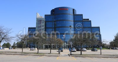 Seneca College Building em Markham, Canadá 4K vídeos de arquivo