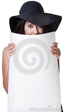 Senhora bonito Hiding Atrás Cartaz