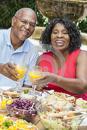 Free Senior African American Couple Healthy Eating Outs Stock Photo - 29642100