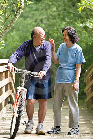 Free Senior Asian Couple Stock Photography - 6112482