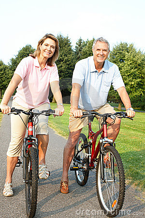 Free Senior Couple Cycling Stock Photos - 15442463
