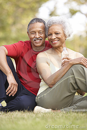 Free Senior Couple Resting After Exercise Royalty Free Stock Photos - 12405078