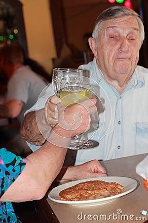 Free Senior Happy Toast Royalty Free Stock Photos - 27698678
