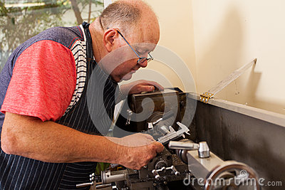 Senior operating lathe