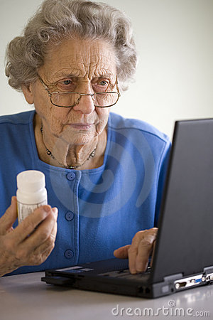 Free Senior Ordering Medication Online Royalty Free Stock Photography - 4650997
