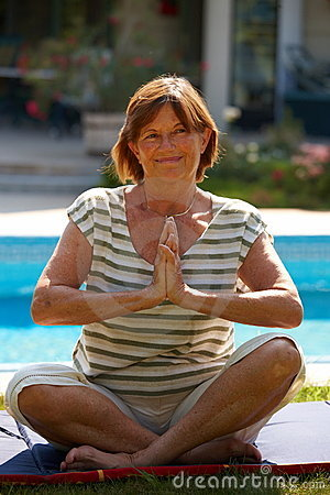 Free Senior Woman Doing Yoga Stock Photography - 7777482