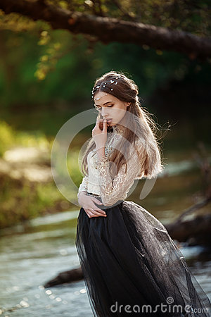 Free Sensitive Art Portrait Of Beautiful Lonely Girl In Forest. Pretty Woman Posing Outdoors And Looking At You. Stock Photo - 97364500