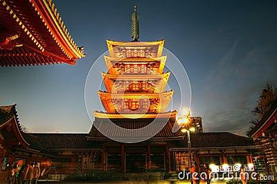 Senso-ji Temple s Pagoda, Asakusa, Tokyo, Japan