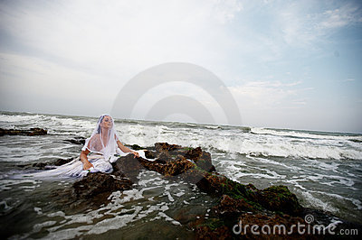 Sensual bride of the seas