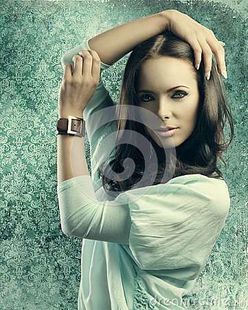 Free Sensual Girl With Smooth Hair Near Old Fashion Wallpapaper Stock Image - 31984251