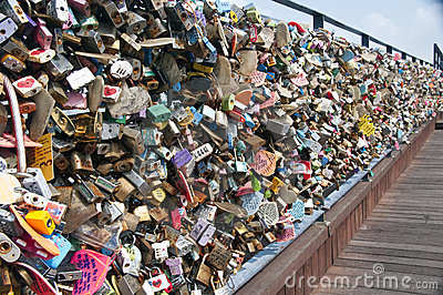 Seoul N tower padlocks