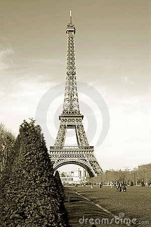 Free Sepia Eiffel Tower In Paris France Europe Stock Image - 2901831