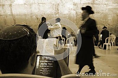 Sepia- jews by wailing wall