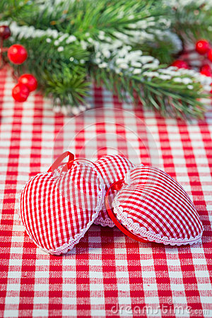 Serca na gingham tablecloth