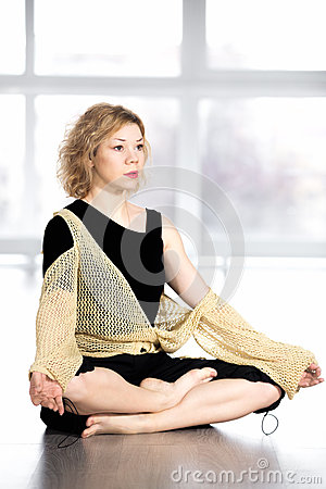 Free Serene Yogi Female Resting In Cross-legged Yoga Pose Stock Images - 50572494