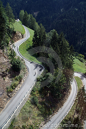Free Serpentine With Cyclist Royalty Free Stock Image - 1223846