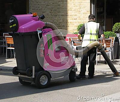 Servicio de la limpieza de la calle en Londres Imagen de archivo editorial