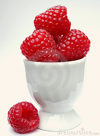 A serving of raspberries