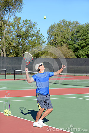 Servizio del giocatore di tennis