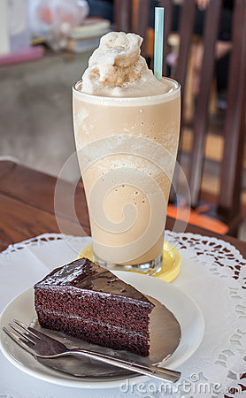 A set of coffee frappe and chocolate cake