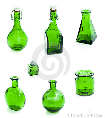 Set of green glass vessel