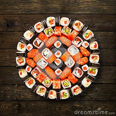 Free Set Of Sushi, Maki And Rolls  At Wood Royalty Free Stock Photos - 66364528