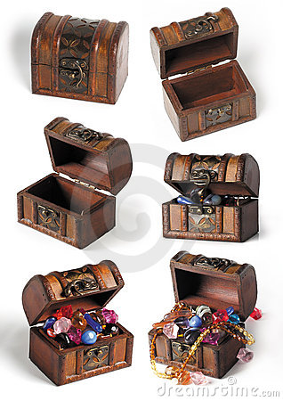 Set of treasure chests