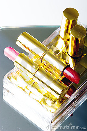 Set of two lipsticks