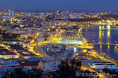 Setubal at night