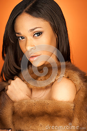 Free Sexy African American Fashion Model Wearing Fur Royalty Free Stock Photos - 45508298