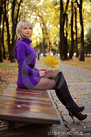 Free Sexy Blond Girl In Short Dress And Autumn Scenery Royalty Free Stock Photography - 12777497