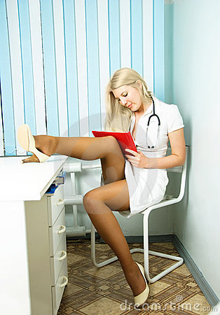 Free Sexy Doctor In The Office Royalty Free Stock Images - 9010279
