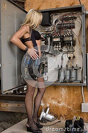¿Cuántos modelos hubo del Cyrus One? - Página 2 Sexy-electrician-woman-thumb5318304