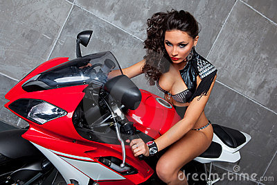 Sexy Girl on sportbike